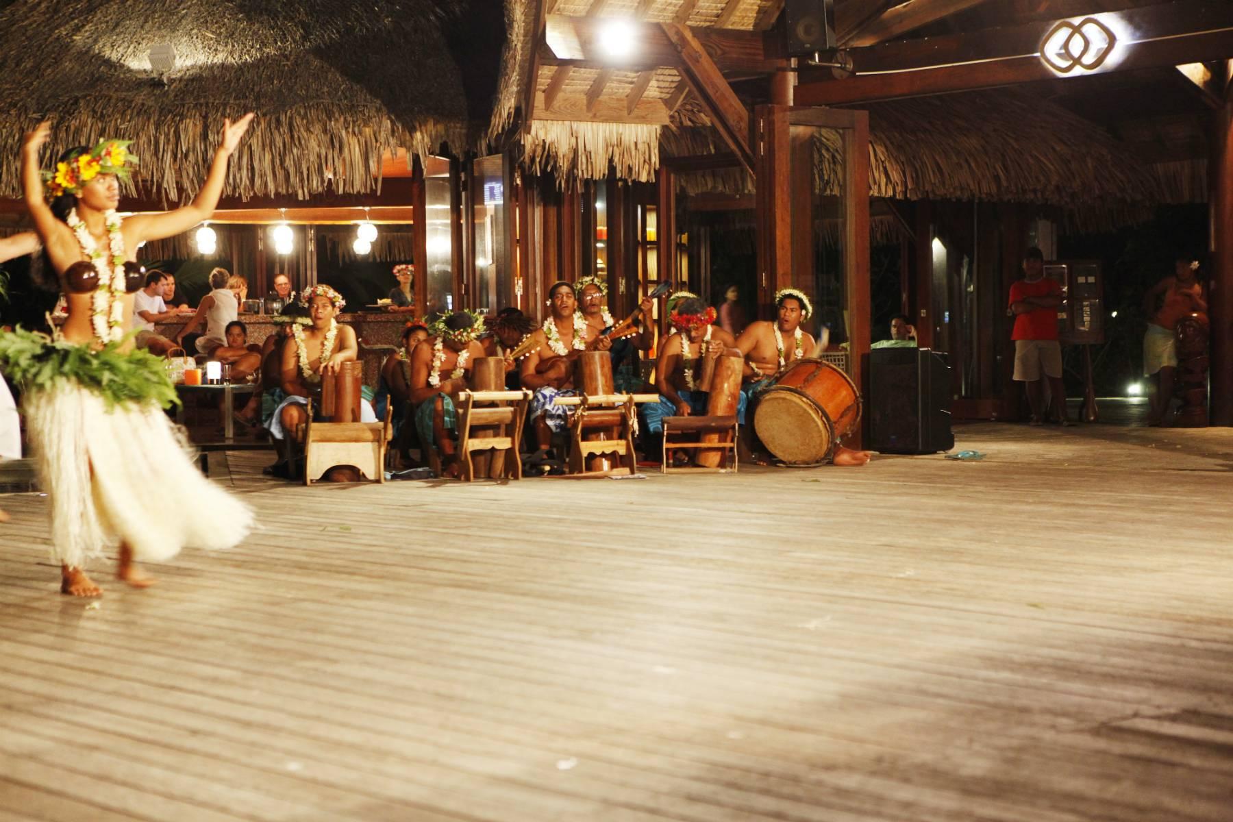 polynesian-shows